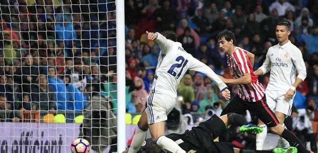 Real Madrid sofre, mas bate Bilbao em casa e assume a ponta