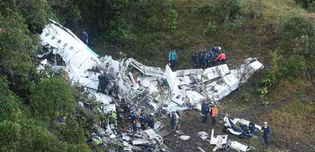 Avião da Chape tinha combustível limitado e excesso de peso