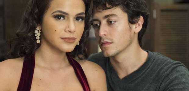 Jesuita Barbosa avalia relação com Marquezine em série