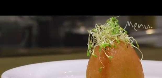 Em vídeo, aprenda uma nova versão da clássica salada caprese