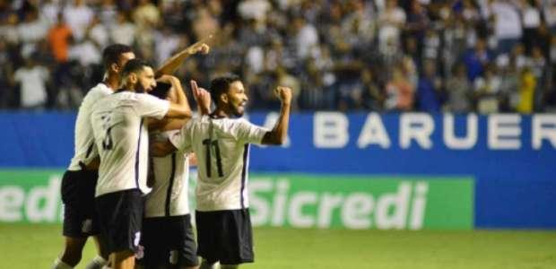 Corinthians vence Inter e pegará Fla nas quartas da Copa SP