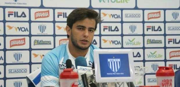 João Paulo elogia postura do Avaí durante pré-temporada