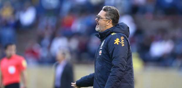 CBF volta atrás e demite técnico Rogério Micale