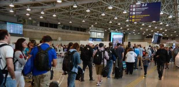 Mais de 3 milhões devem passar pelos aeroportos no Carnaval