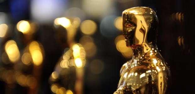 ¿Por qué las estrellas de los Oscar portan moños azules ...