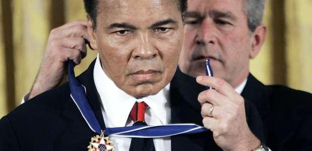 Detienen a Muhammad Ali hijo en aeropuerto de Florida