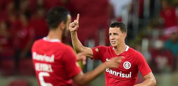 Inter espanta crise, vence Brasil-RS e vence 1ª no Gaúcho