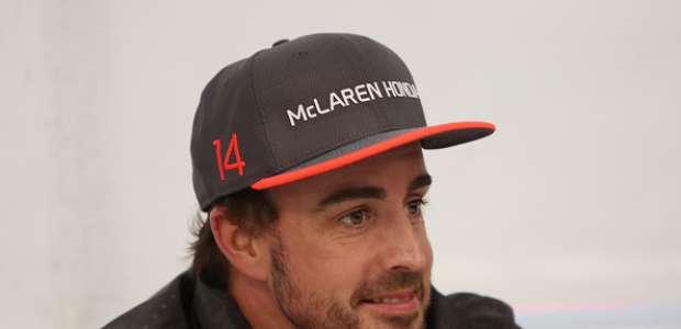 Fernando Alonso responde a un internauta que le llamó ...