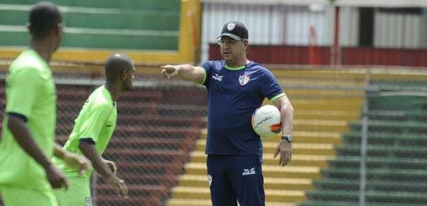 Portuguesa perde seu 4º jogo seguido na estreia de Estevam