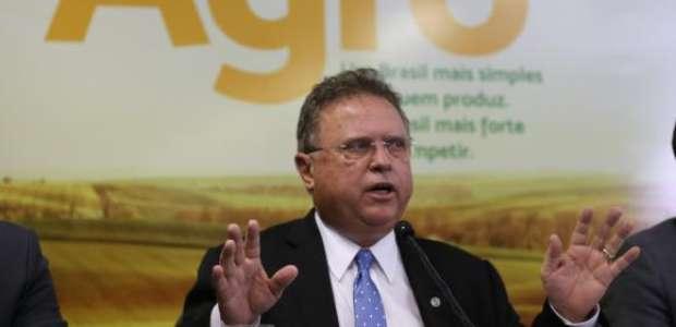 Produtos de frigoríficos não são risco à saúde, diz ministro