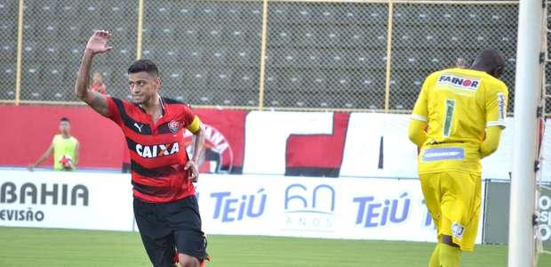 Vitória atropela e fará decisão em clássico com Bahia