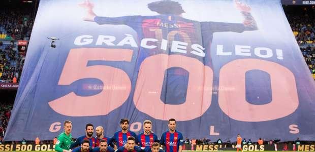 """Gracias Leo"", la pancarta que celebra los 500 goles de ..."