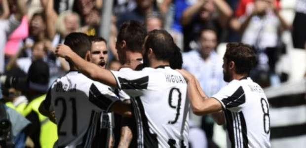Juventus goleia o Crotone e conquista o hexa do Italiano