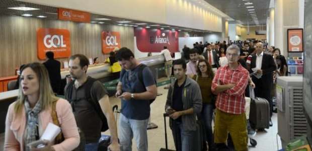 Aeroportos aumentam revista de passageiros que vão aos EUA