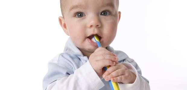 Dentes de leite: quando e em que ordem nascem?