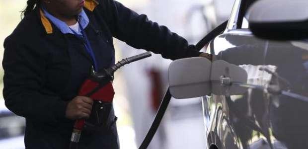 AGU recorre para anular suspensão do aumento de combustível