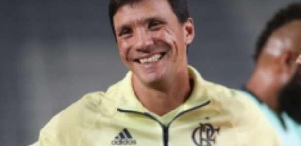 Sem Milton, Vasco faz 1º contato para contratar Zé Ricardo
