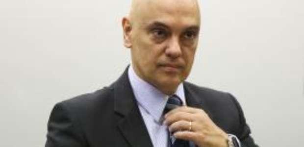 Moraes nega pedido da OAB para Maia analisar impeachment