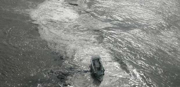 TJ bloqueia bens de dona do barco que virou e matou 19 na BA