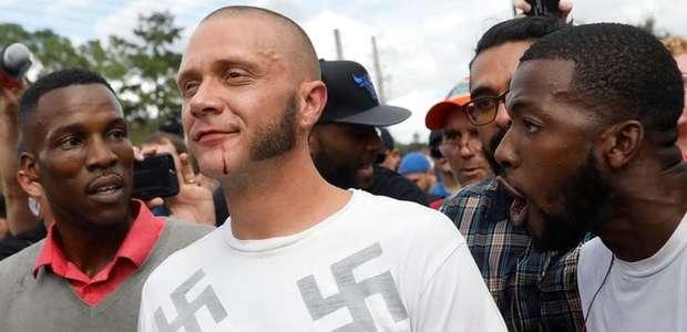 Manifestantes criticam discurso nacionalista branco em ...