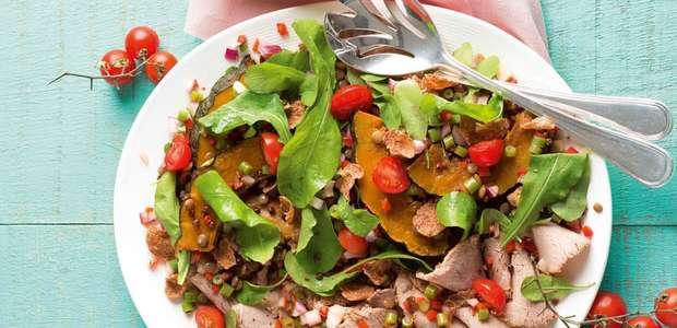 Salada De Abóbora Com Carne Assada E Vinagrete De Vegetais