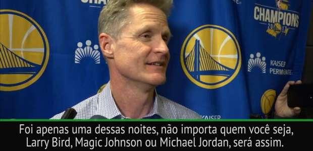 """Kerr sobre atuação de Curry: """"Foi mais uma da noite"""""""