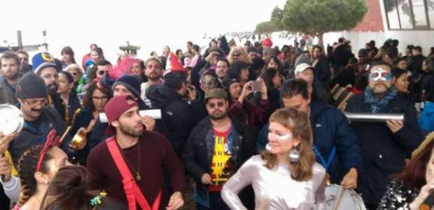 Blocos brasileiros agitam o Carnaval de Lisboa