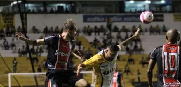 Com gol nos acréscimos, Criciúma vence Joinville e deixa ...