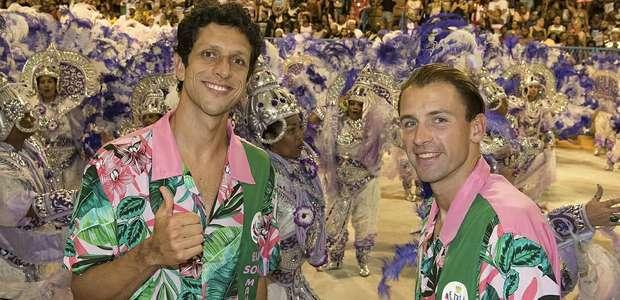 Tenista brasileiro e sua dupla marcam presença na Sapucaí