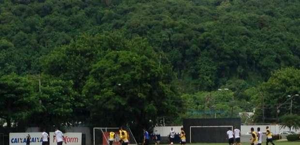 Com gols de Diogo Vitor e Yuri Alberto, Santos empata treino