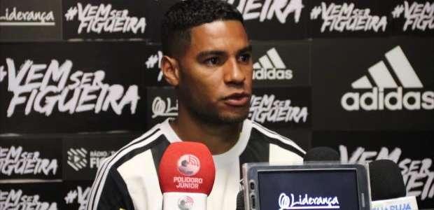 FIGUEIRENSE: Daniel Costa apresentado no Figueirense: ...