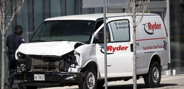 Atropelamento a pedestres em Toronto deixa 10 mortos e ...