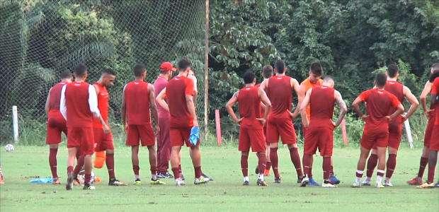 NÁUTICO: Náutico treinou para jogo com Atlético-AC