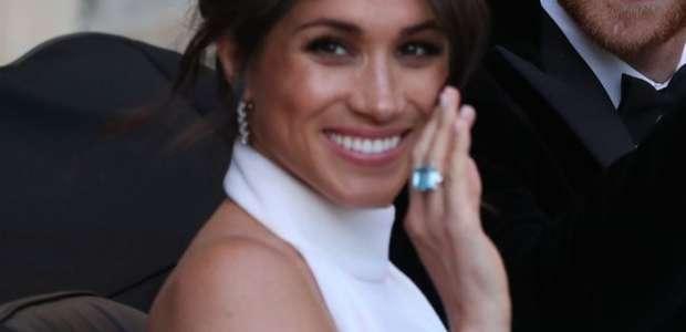 Meghan Markle usa anel de Lady Di em recepção de casamento