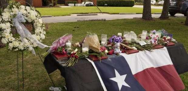Oito jovens e 2 docentes morreram em tiroteio nos EUA