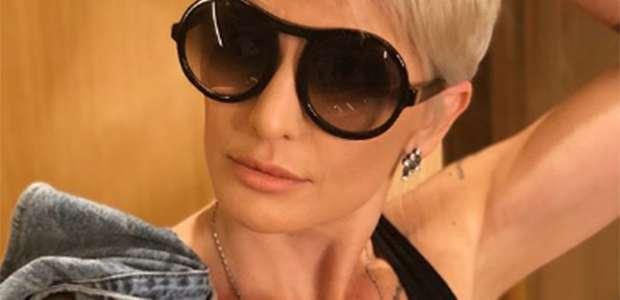 Antonia Fontenelle muda visual e aparece estilosíssima