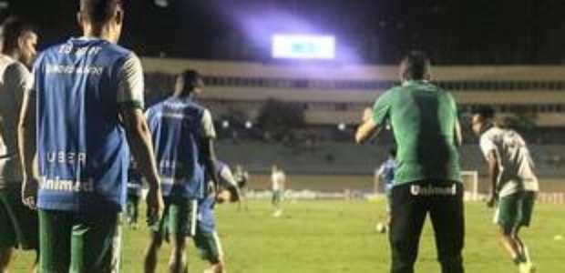 Em Goiânia, Goiás e Juventude ficam no empate por 1 a 1 ...