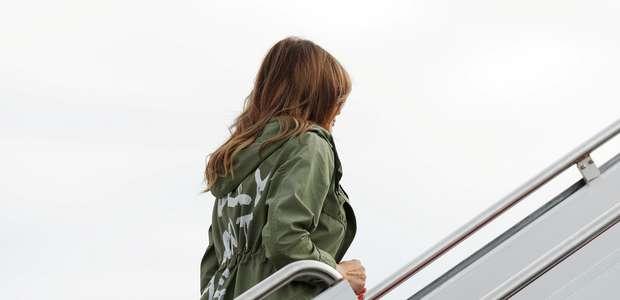 Melania quis enviar mensagem para mídia com casaco polêmico