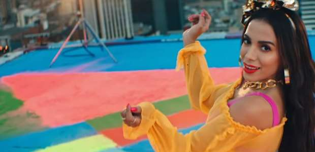 Clipe Medicina de Anitta tem mais de 8,3 milhões de views