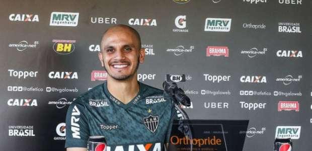 Fábio Santos diz que dor é suportável e pode ser ...