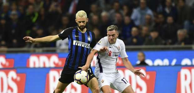 Com VAR acionado, Inter de Milão vence Fiorentina e ...