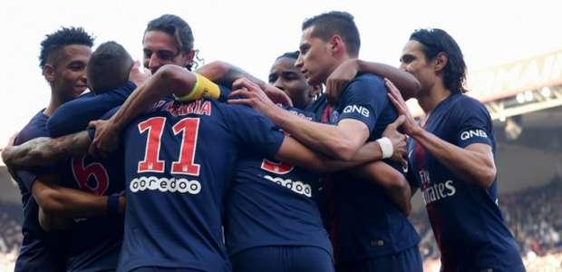 Com gol de Marquinhos, PSG goleia Amiens e segue 100%