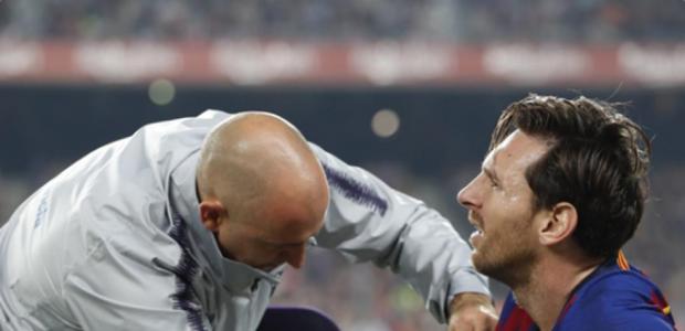 Messi fratura o braço e fica fora de ação por três semanas