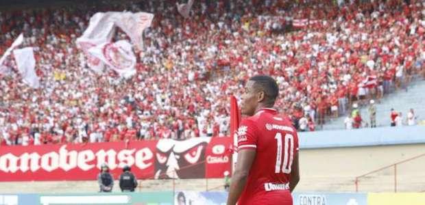 Alan Mineiro decide e Vila Nova derrota o Juventude