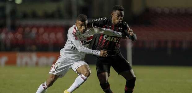 Empate com o Atlético-PR mantém jejum do São Paulo