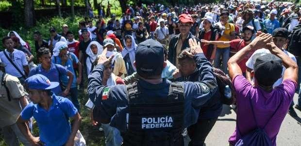 Pence diz que, segundo Honduras, caravana foi financiada ...