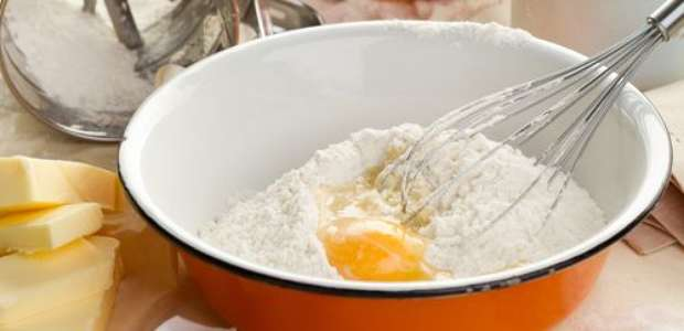 Qual é a função do ovo no bolo: confira