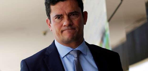 Moro defende investigação de ex-assessor de Flávio Bolsonaro