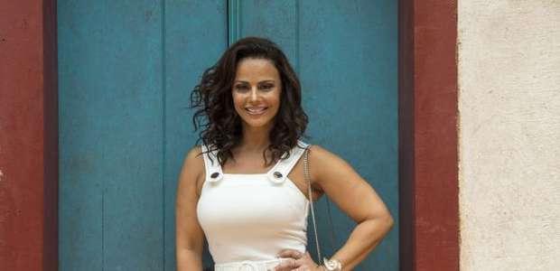 "Viviane Araujo adota ""chip da beleza"" para o Carnaval"
