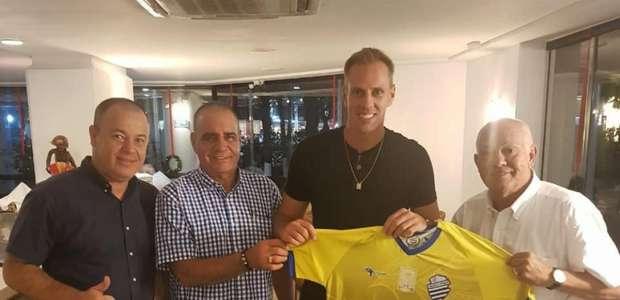 João Carlos deixa o CRB e assina com o arquirrival CSA